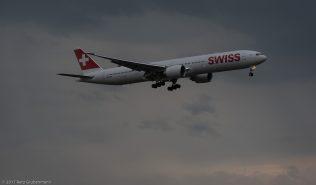 Swiss_B77W_HB-JNG_ZRH170721