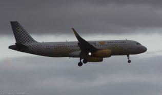 vueling_A320_EC-MNZ_ZRH170725