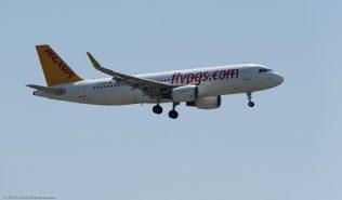 PegasusAirlines_A320_TC-DCE_ZRH170730