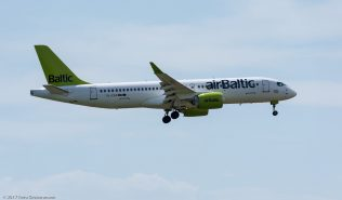airBaltic_BCS3_YL-CSA_ZRH170730