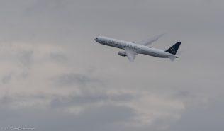 UnitedAirlines_B764_N76055_ZRH170806