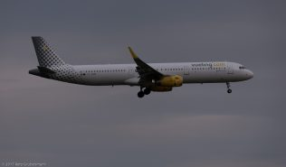 vueling_A321_EC-MQB_ZRH170812