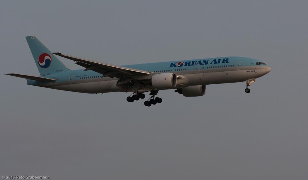 KoreanAir_B772_HL7530_ZRH170826