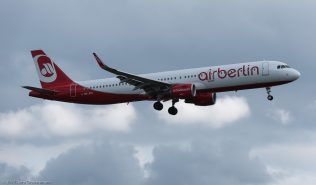 AirBerlin_A321_HB-JOU_ZRH170906
