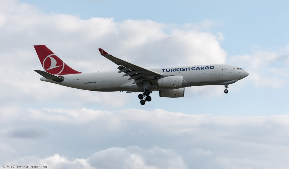TurkishCargo_A332_TC-JDR_ZRH170906