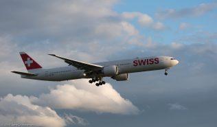 Swiss_B77W_HB-JNA_ZRH170911