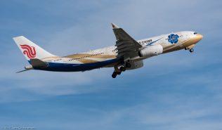 AirChina_A332_B-6076_ZRH171024_02