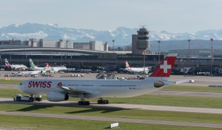 Swiss_A333_HB-JHC_ZRH171025_02