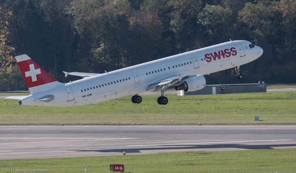 Swiss_A321_HB-IOM_ZRH171025