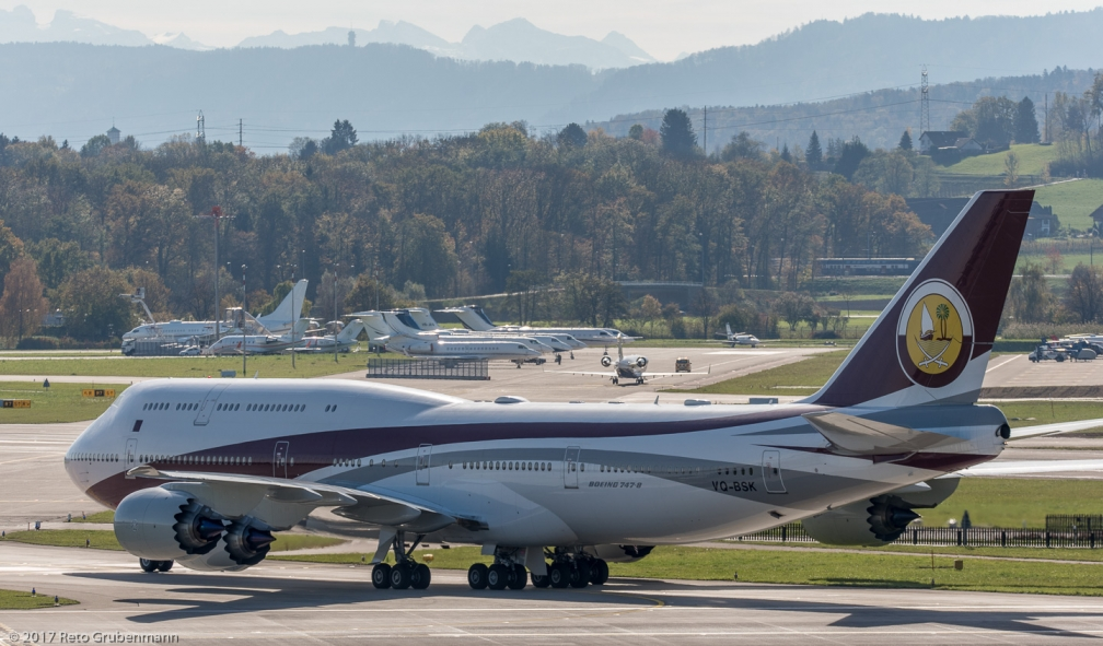 WorldwideAircraftHolding_B748_VQ-BSK_ZRH171025_04