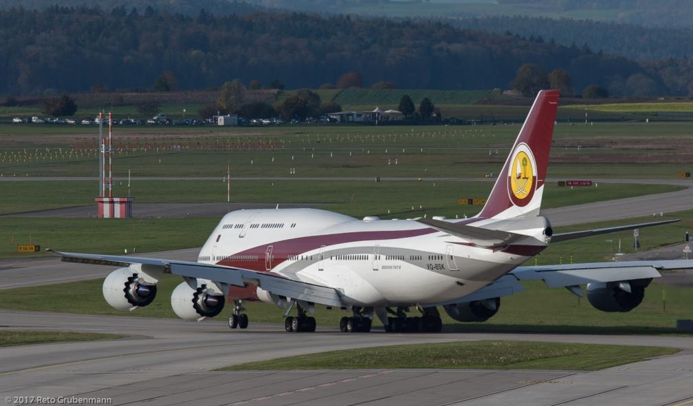 WorldwideAircraftHolding_B748_VQ-BSK_ZRH171025_06