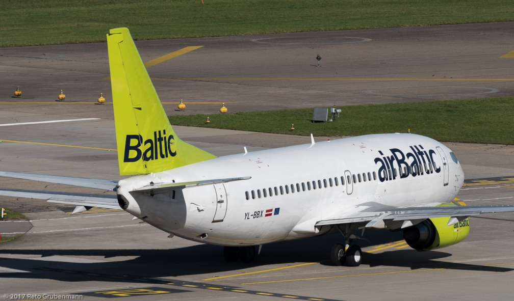 airBaltic_B733_YL-BBX_ZRH171026
