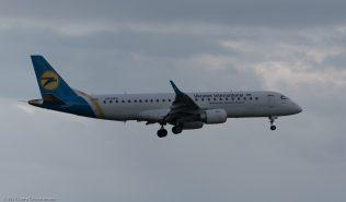 UkraineInternationalAirlines_E190_UR-EMD_ZRH171027