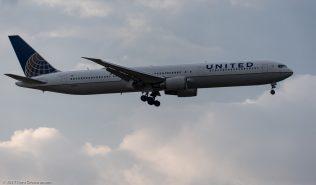 UnitedAirlines_B764_N66051_ZRH171027