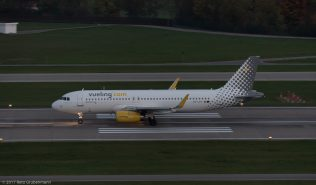 vueling_A320_EC-LVV_ZRH171027