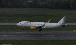 vueling_A320_EC-MAO_ZRH171027