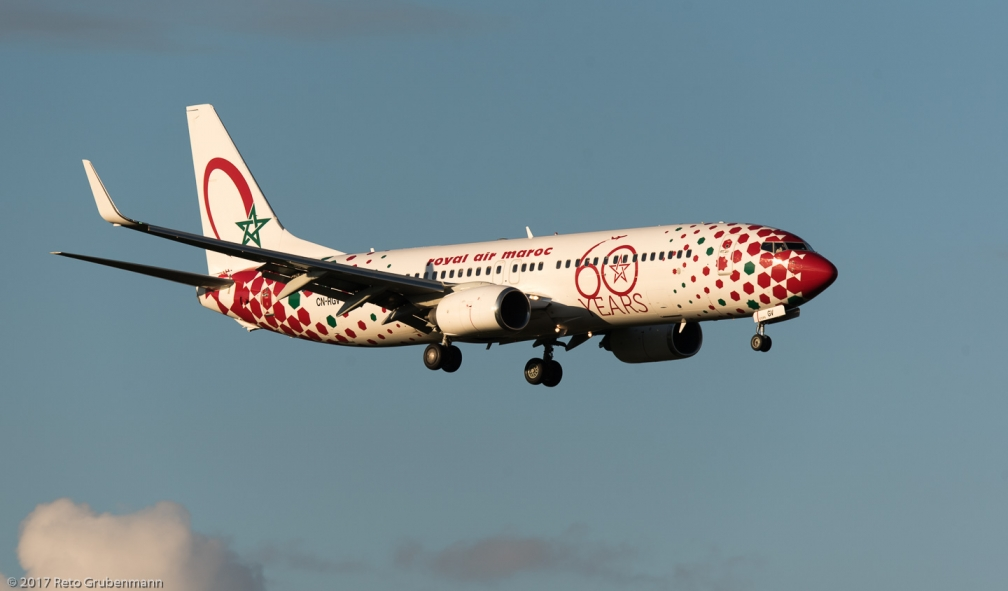 RoyalAirMaroc_B738_CN-RGV_ZRH171027_01