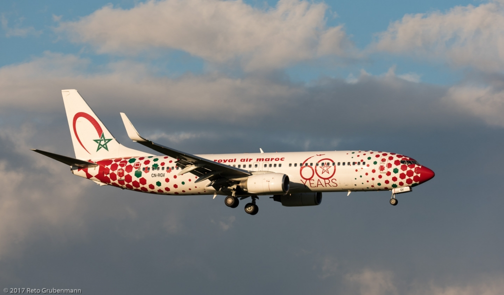 RoyalAirMaroc_B738_CN-RGV_ZRH171027_02