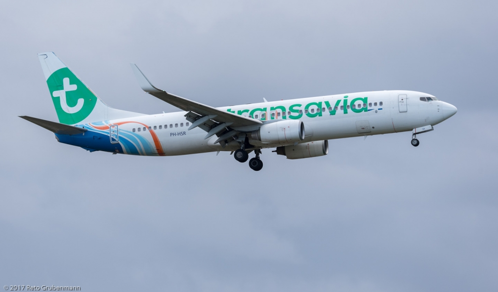 Transavia_B738_PH-HSR_ZRH171027