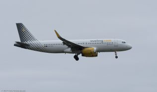 vueling_A320_EC-LVV_ZRH171029