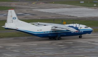 MotorSichAirlines_AN12_UR-11819_ZRH171121_03