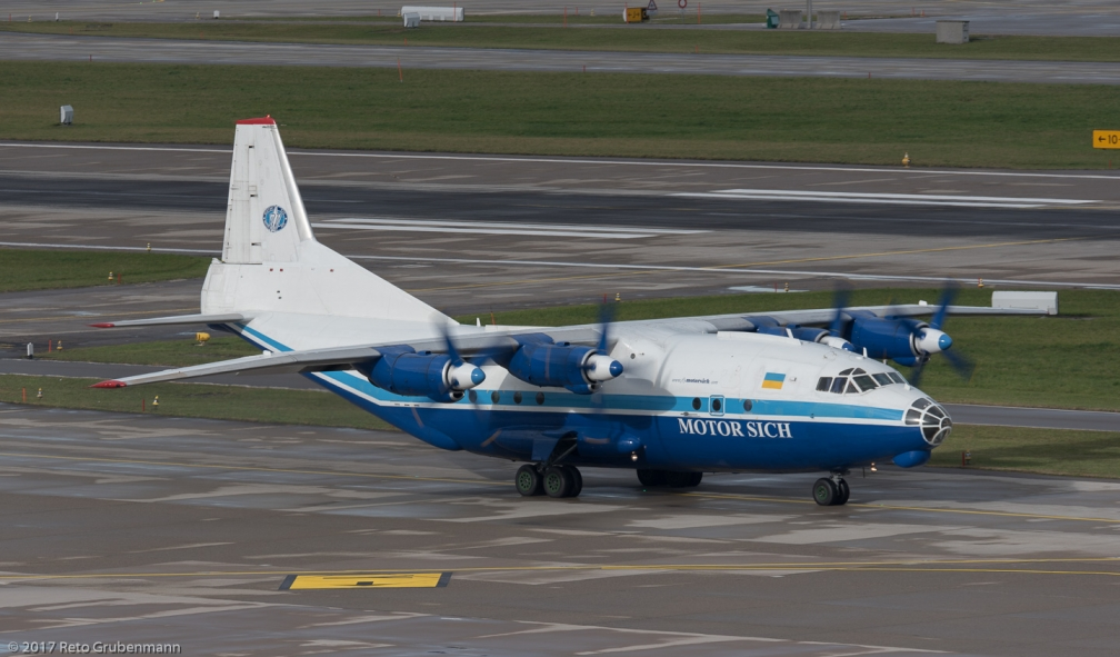 MotorSichAirlines_AN12_UR-11819_ZRH171121_01