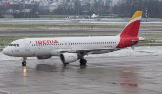 Iberia_A320_EC-IZH_ZRH171204