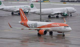 easyJet_A320_G-UZHA_ZRH171204_01