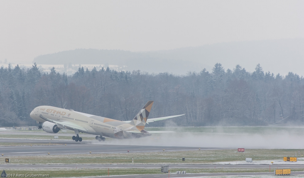EtihadAirways_B789_A6-BLB_ZRH171204