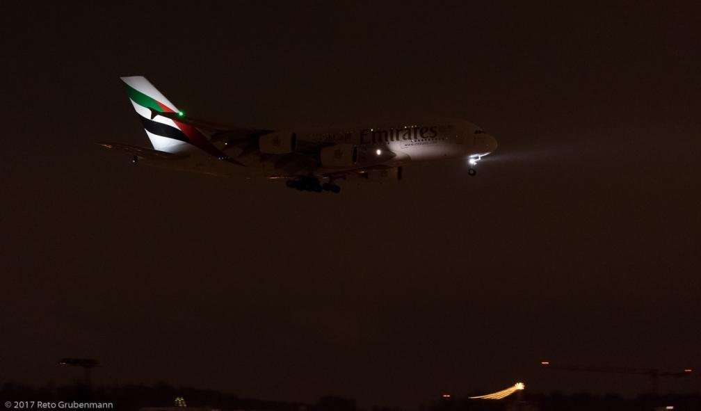 Emirates_A388_A6-EEO_ZRH171210