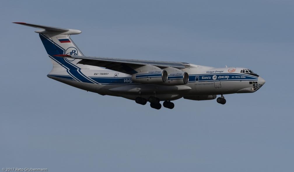 Volga-DneprAirlines_IL76_RA-76951_ZRH_171213_01