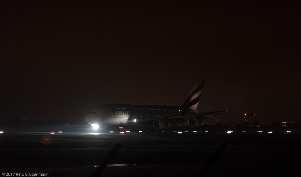 Emirates_A388_A6-EUG_ZRH171220_02
