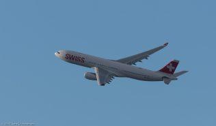 Swiss_A333_HB-JHC_ZRH171231