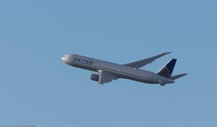 UnitedAirlines_B764_N59053_ZRH171231