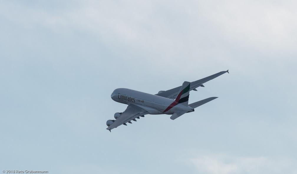 Emirates_A388_A6-EEZ_ZRH180101