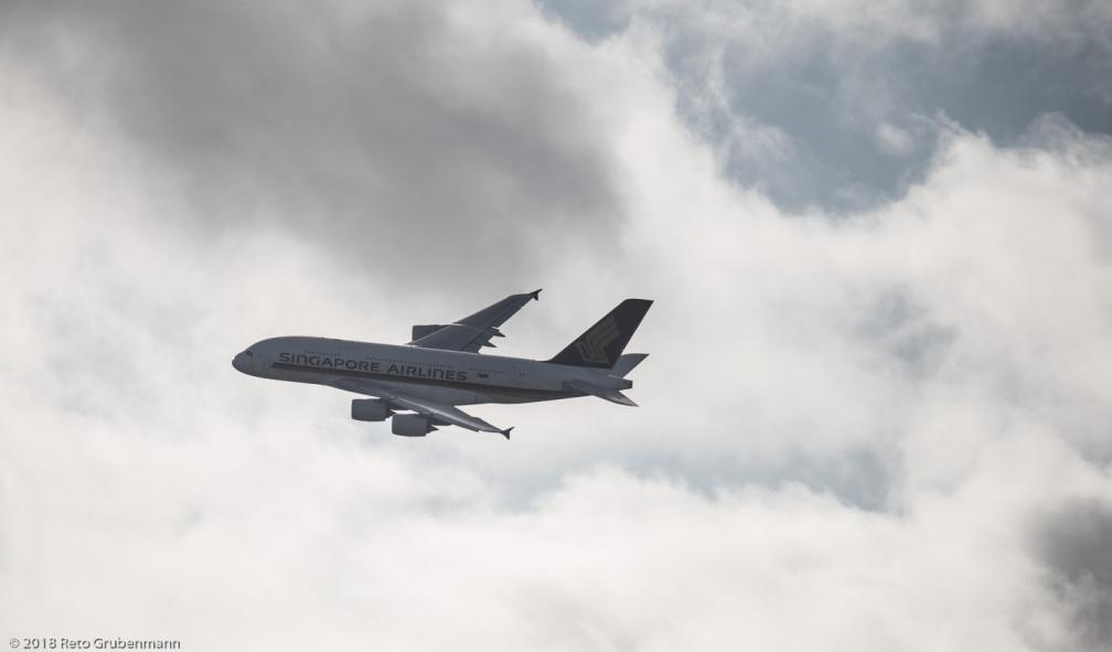 SingaporeAirlines_A388_9V-SKT_ZRH180101_02