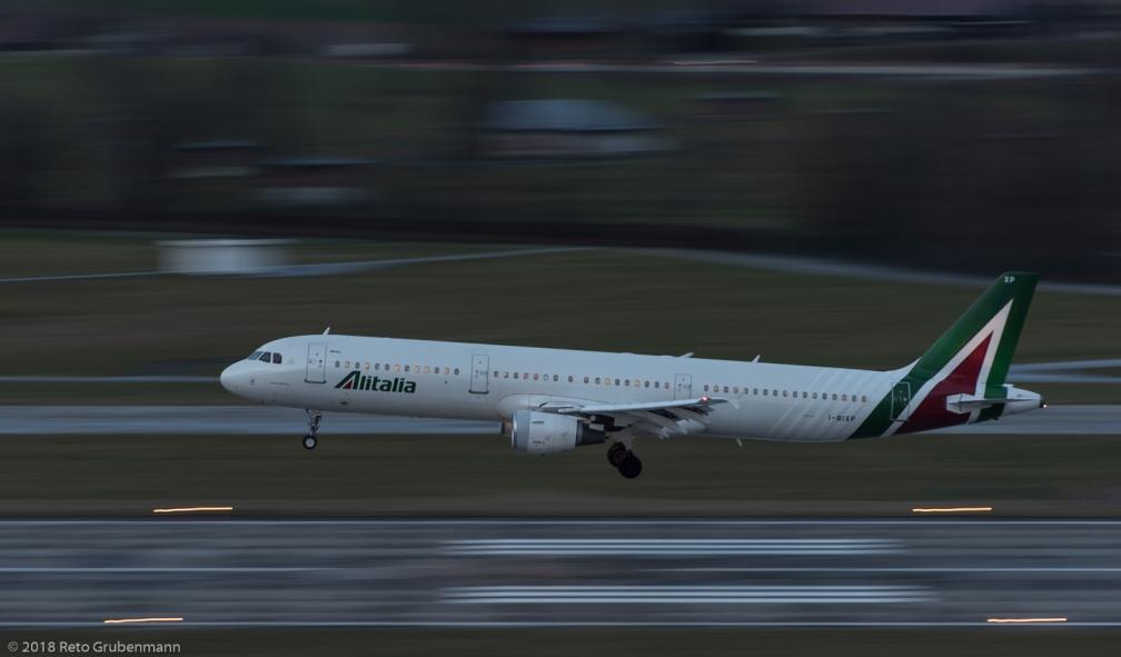 Alitalia_A321_I-BIXP_ZRH180103