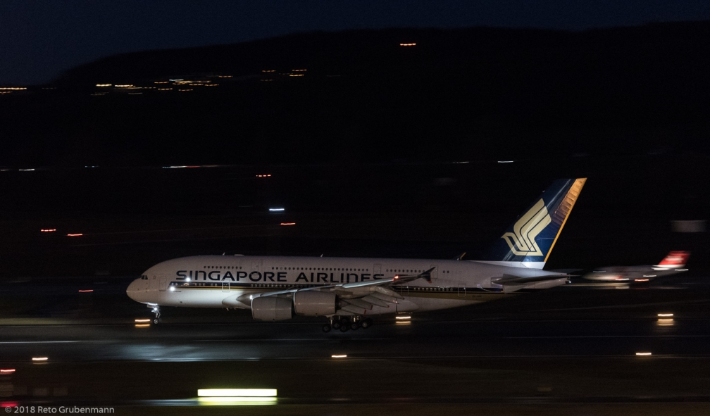 SingaproreAirlines_A388_9V-SKR_ZRH180103