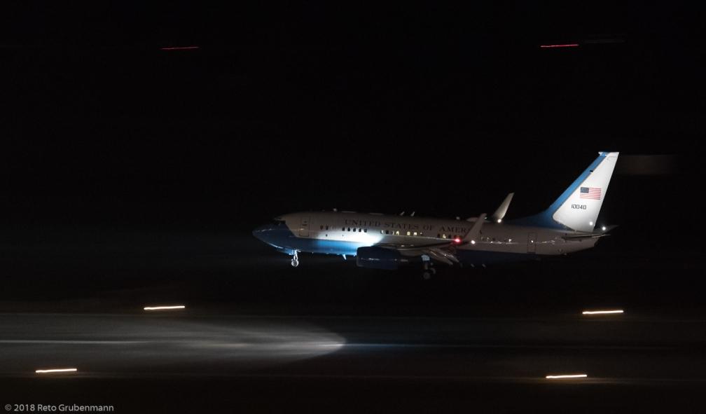 USAF_B737_01-0040_ZRH180110
