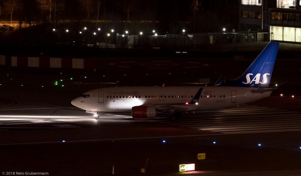 ScandinavianAirlines_B737_SE-RJT_ZRH180112