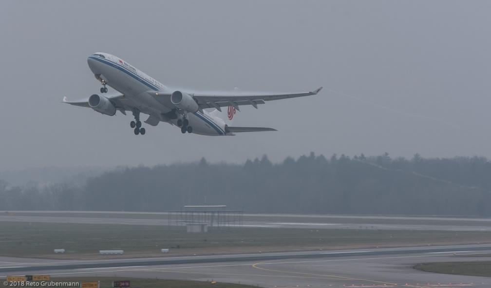 AirChina_A332_B-6073_ZRH180114