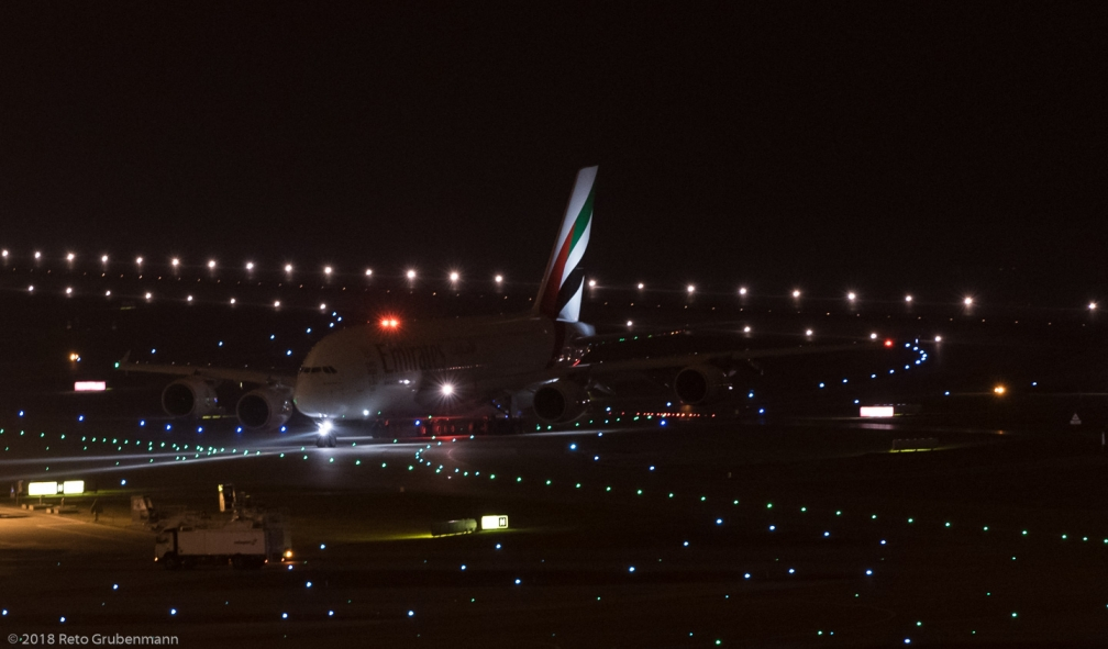 Emirates_A388_A6-EDY_ZRH180114