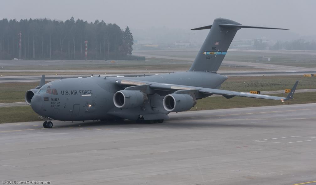 USAF_C17_06-6167_ZRH180114_02