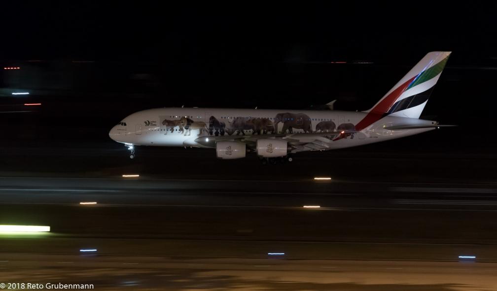 Emirates_A388_A6-EOM_ZRH180118
