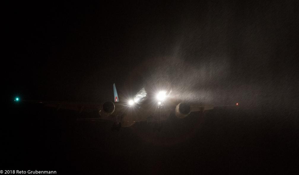KoreanAir_B772_HL7721_ZRH180118_01