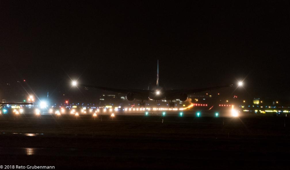 KoreanAir_B772_HL7721_ZRH180118_02