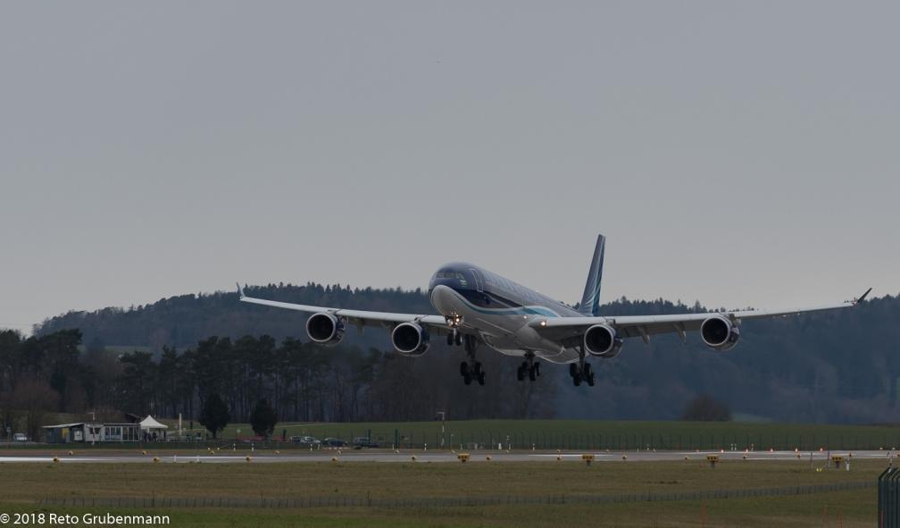 AzerbaijanAirlines_A346_4K-AI08_ZRH180120_01