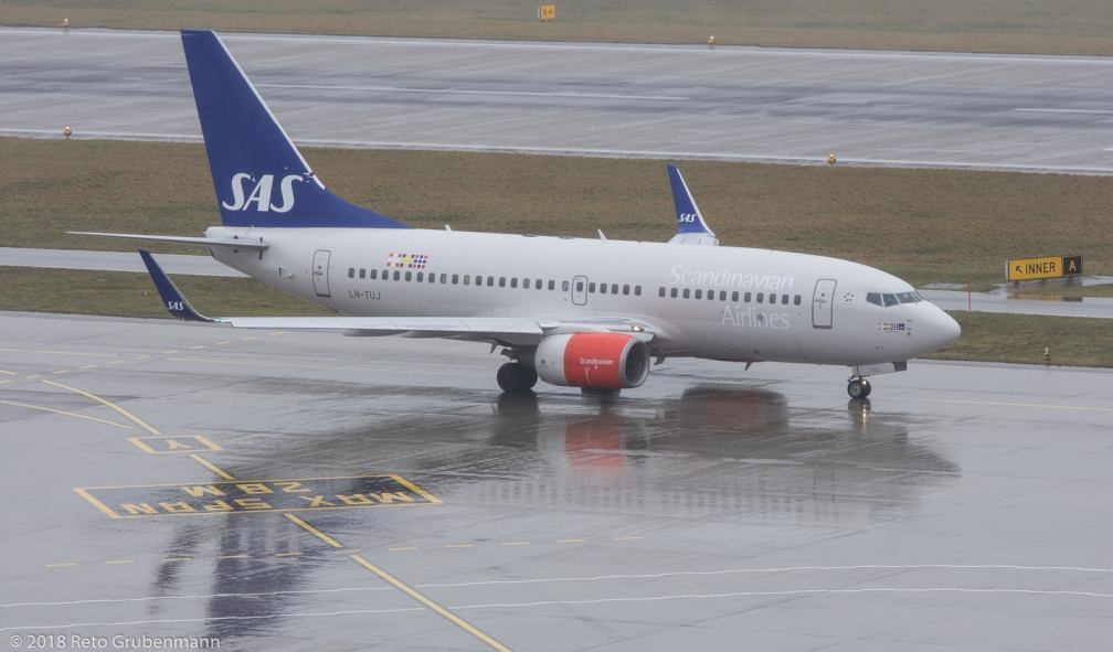 ScandinavianAirlines_B737_LN-TUJ_ZRH180122