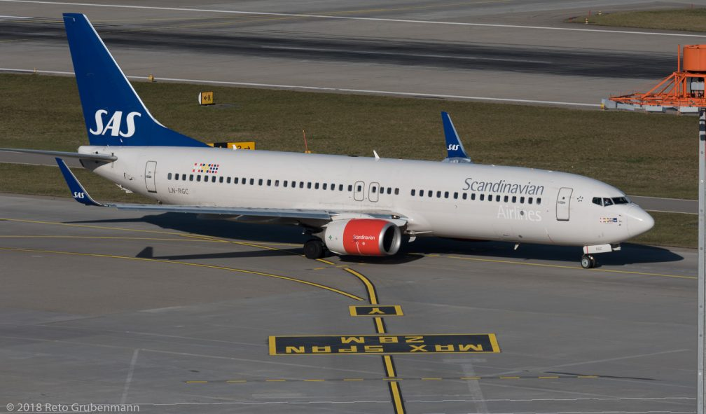 ScandinavianAirlines_B738_LN-RGC_ZRH180124_01