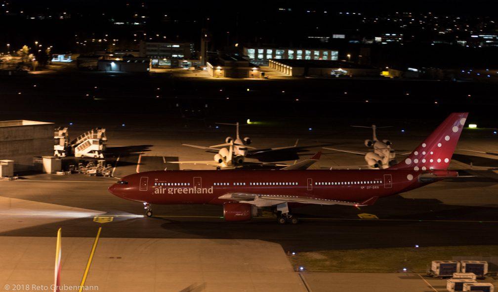 AirGreenland_A332_OY-GRN_ZRH180125_02
